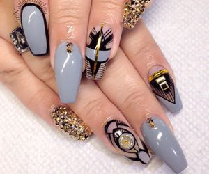 nails and manikyre image