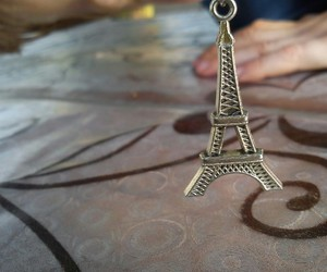 paris and aiffel+tower image