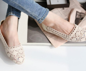 lace and shoes image