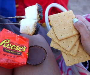 smores, yum, and reese's image