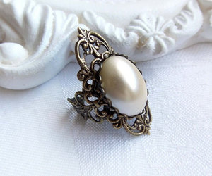 vintage ring, victorian ring, and victorian jewellery image