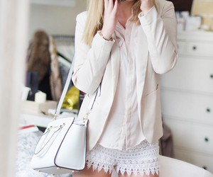 fashion, look, and necklace image