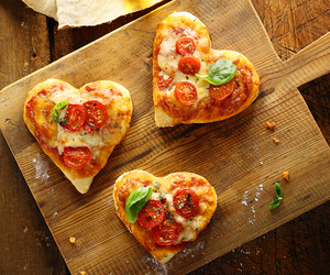 pizza and hearts image