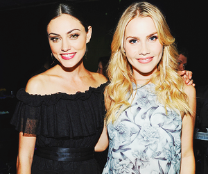 phoebe tonkin, claire holt, and The Originals image