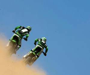 dirt, kawasaki, and motorcycle image