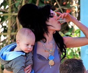 Amy Winehouse and baby image