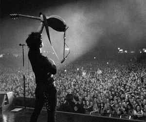 green day, billie joe armstrong, and concert image