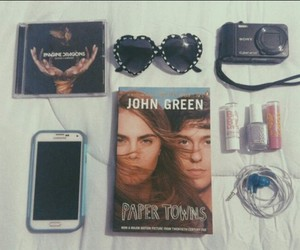 paper towns, book, and phone image