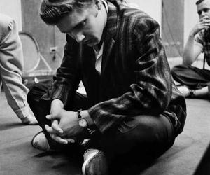 Elvis Presley image