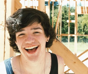 aaron, smile, and aaron carpenter image