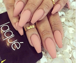 nails, matte, and Nude image
