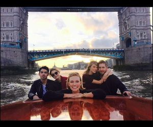 Taylor Swift, calvin harris, and Joe Jonas image