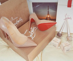 fashion, shoes, and christian loubotin image