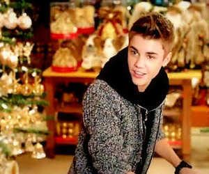 justin bieber, christmas, and justin image
