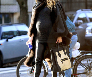 blake lively, gossip girl, and pregnant image