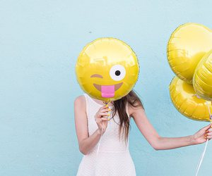 smiley balloon image