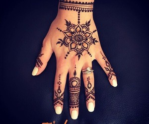 drawing, henna, and tatouage image