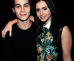 lily collins, dylan o'brien, and celebridades image