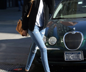 gigi hadid, model, and jeans image