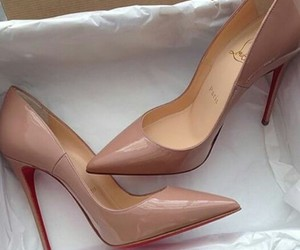 louboutin shoes fashion image