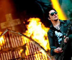 synyster gates, a7x, and avenged sevenfold image