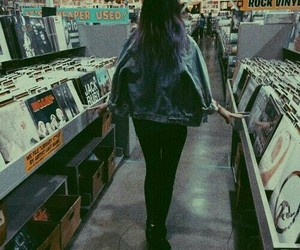 grunge, girl, and music image
