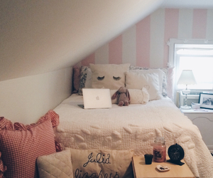 bedroom, pink bedroom, and apple laptop image