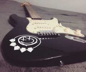 blink-182 and guitar image