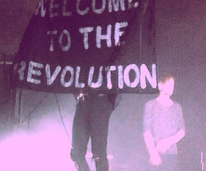 revolution and the 1975 image