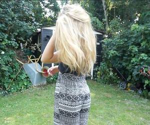 blonde, hair, and summer girl image