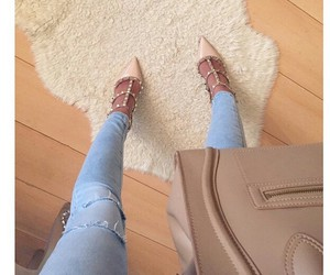 bag and shoes image