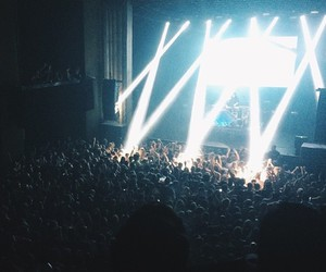 alien, beams, and concert image