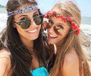 beach, best friends, and flowers image