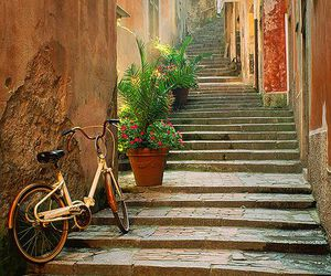 italy, beautiful, and bike image
