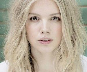blonde, girl, and hannah murray image