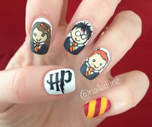 gryffindor and nails image