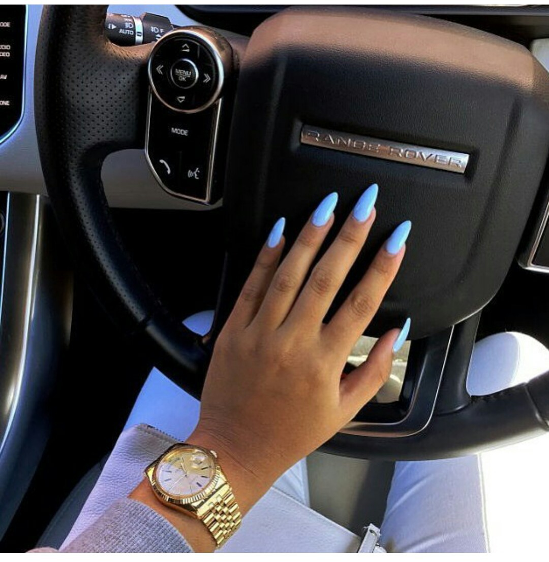 Картинки руки в автомобиле
