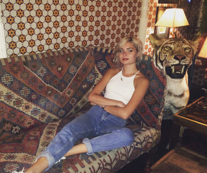 girl and nina nesbitt image