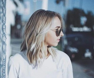 jennxpenn and youtuber image