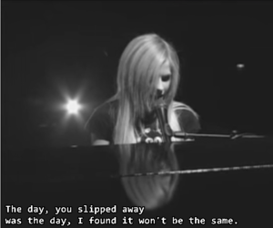 2005, under my skin, and Avril Lavigne image