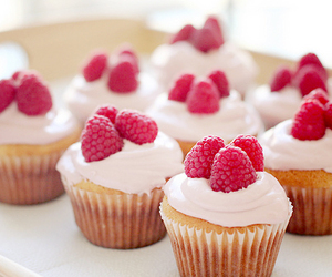 cupcake, food, and raspberry image