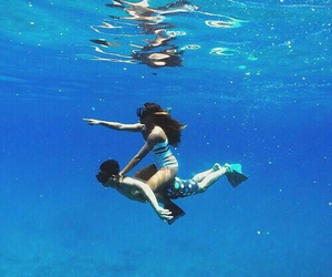 couple, summer, and ocean image
