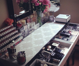 makeup, girly, and home image