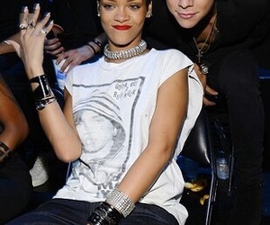 rihanna, Harry Styles, and one direction image