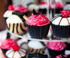 cupcakes, pink, and food image