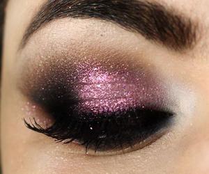 eye shadow image