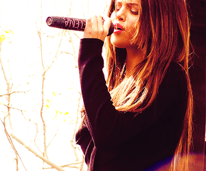 selena gomez and sing image