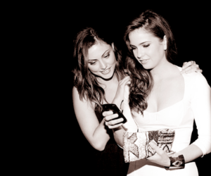 phoebe tonkin, shelley hennig, and teen wolf image