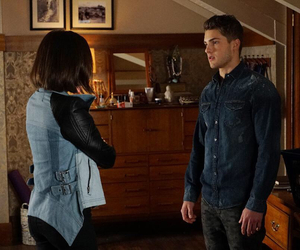 mike, aria, and pretty little liars image