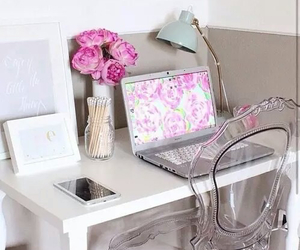 pink, room, and flowers image